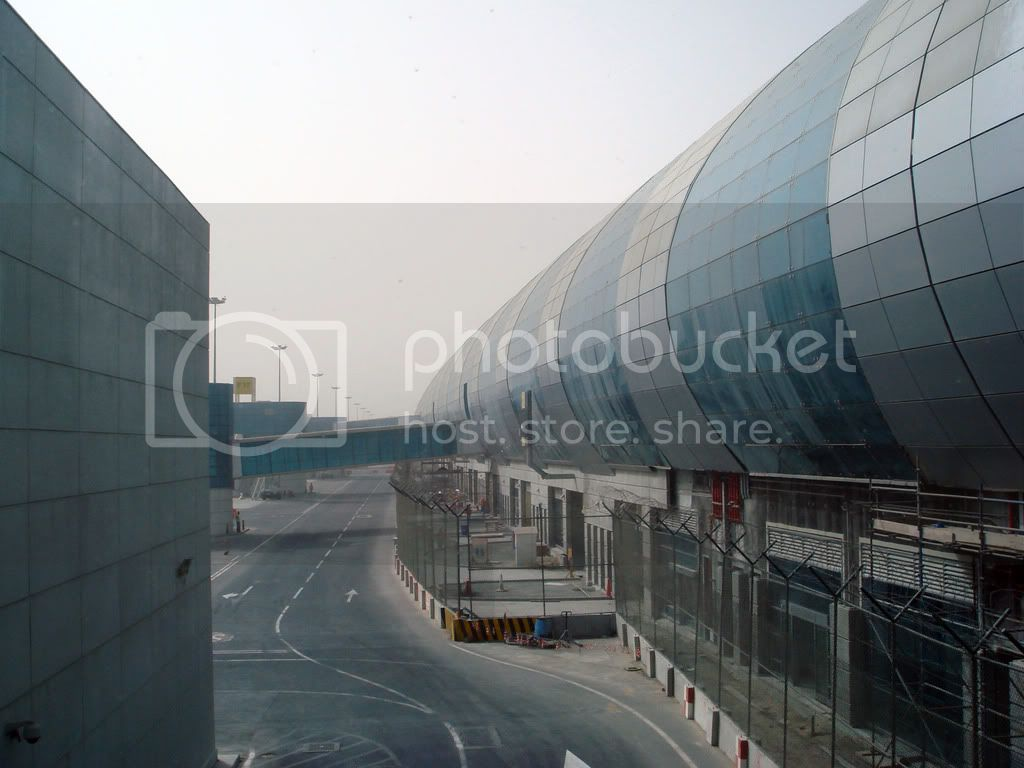 http://i336.photobucket.com/albums/n337/globetravellerDXBPEN/DSC02269.jpg