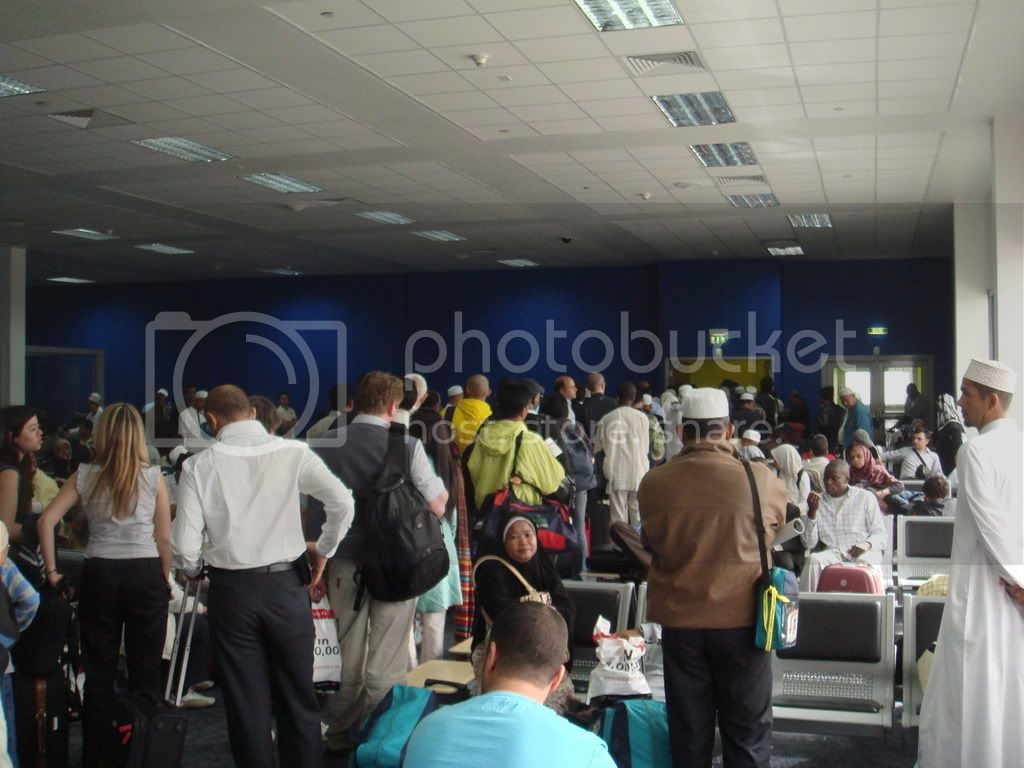 http://i336.photobucket.com/albums/n337/globetravellerDXBPEN/DSC02275.jpg